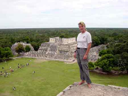Mj on Kukulcan pyramid and backround 100 columns
