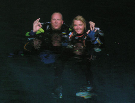 sept 03 MJ en Dennis de Groot ready to dive Sac Actun